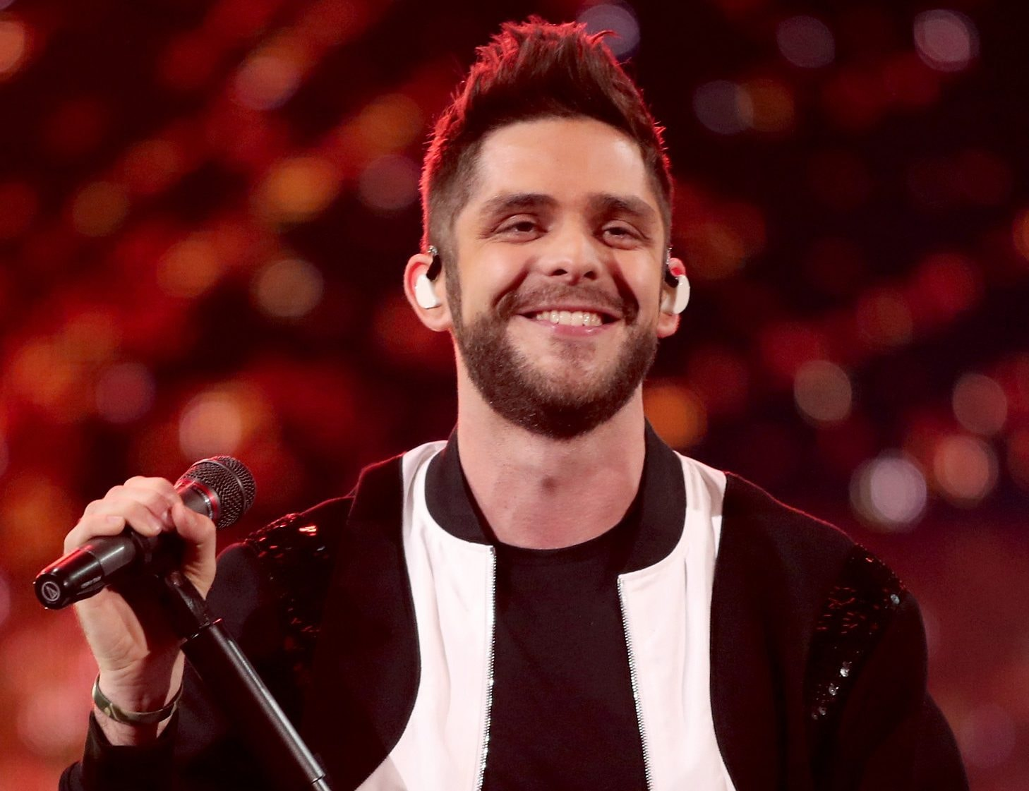 thomas rhett to mark album release with three shows in three cities. Black Bedroom Furniture Sets. Home Design Ideas