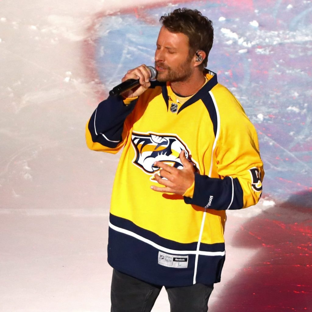Dierks Bentley Sings The National Anthem At Tonight's